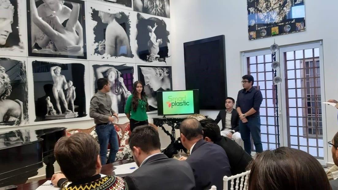 Smartplastic, el proyecto con el cual el grupo de estudiantes universitarios nicolaitas pasó la etapa estatal.